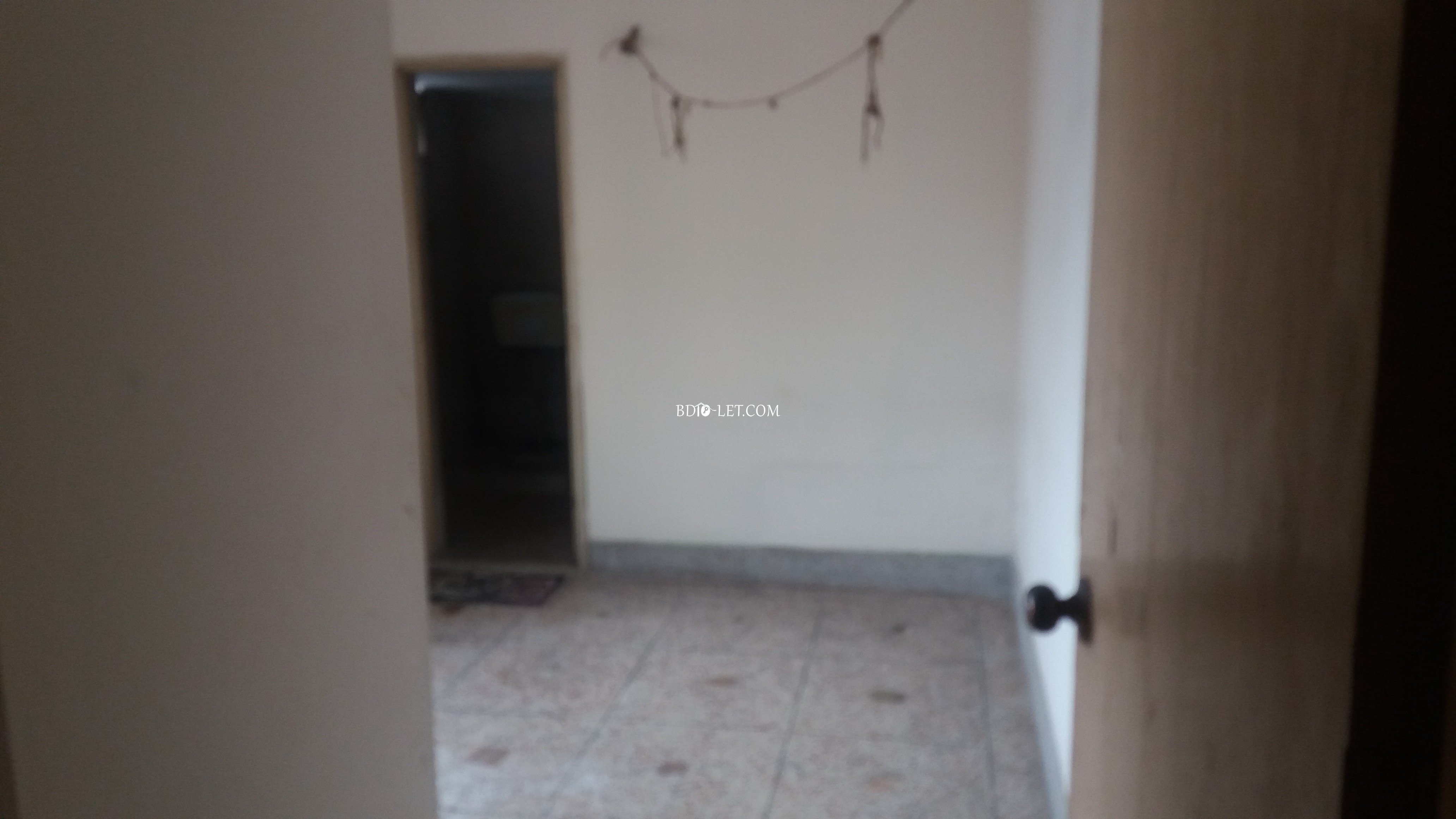 Sublet with family Rent At Wari